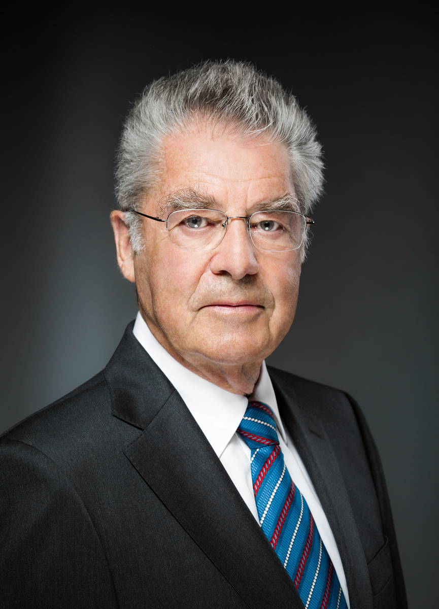FineArt Portrait Bundespraesident Dr Heinz Fischer Photo Simonis